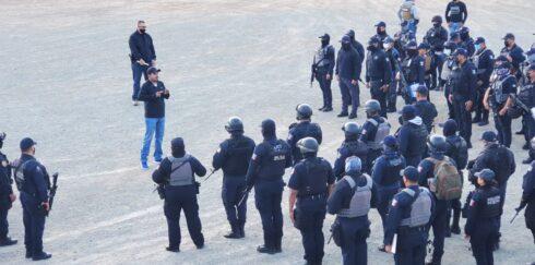 EN UN EJERCICIO DE RENDICIÓN DE CUENTAS Y COMUNICACIÓN, EL SECRETARIO DE SEGURIDAD SE REÚNE CON POLICÍAS ESTATALES